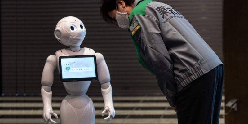 Robotics fight in COVID-19